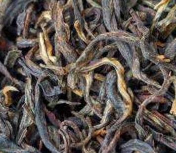 红茶,一种全发酵的茶,基本上都有萎凋、揉捻、发酵、干燥4个典型环节。下面我们一起来聊聊晒红与传