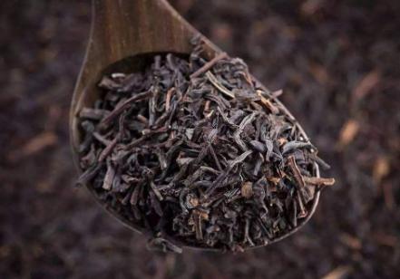 对于一些刚开始喝茶的茶友来讲,泡茶需放多少茶叶,这是他们很感兴趣的话题。接下来小编就来为大家分享