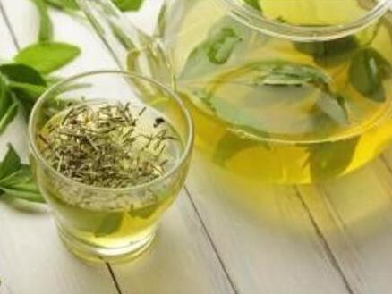 喝茶养生无疑是现今最为流行且备受大家推崇的方式。然而,很多人都不知道的是茶不仅可以喝,还可用来洗