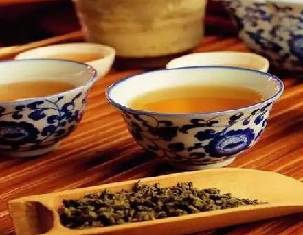 经常喝浓茶,要警惕三大危害!