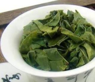 铁观音,生活中十分常见的一种茶叶,不少人都喜欢喝铁观音,但喝茶也需讲究泡法,正确的冲泡能更好