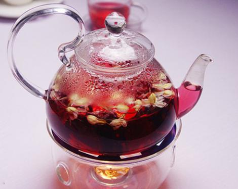 喝茶,人们看重的是对人体健康带来的益处。不同的茶都有其不同的功效,那么洛神花茶的功效是什么?