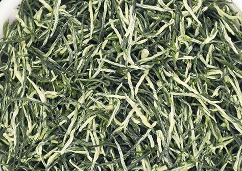 四川茶叶指的是产自四川省的茶叶,四川也是产茶大省,所以包含了很多的品种。而信阳毛尖属于绿茶中的一
