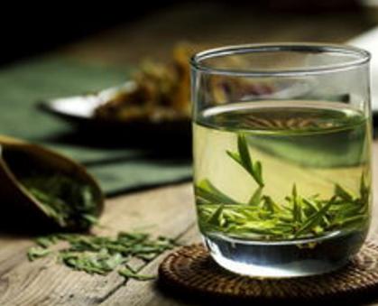 喝绿茶要不要洗?实验得知真相!