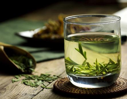 秋季怎样预防感冒?什么都没有绿茶的好!