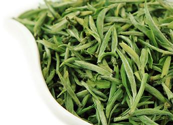 首先要求贮存的茶叶含水量,要符合储藏的标准,从科学的角度要求茶叶含水量应在3%,才能保持茶不变质。