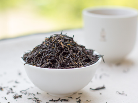 喝过的茶叶是否被你丢掉了?实际上这种废茶好处多!