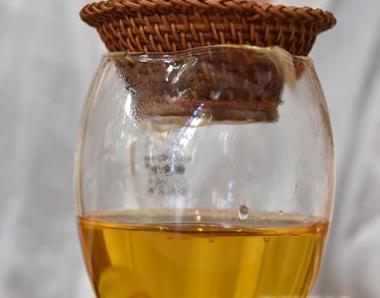 秋高气爽,随着天气逐渐变凉,红茶成为了人们日常饮品中不可缺少的一种茶饮。一起来往下了解用一杯