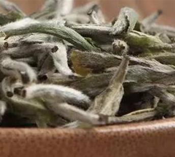 不少茶友反应到一个很大的问题,茶叶放家中一段时间后喝起来就不一样了,那么到底是什么影响了茶叶