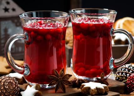 蔓越莓茶,经常饮用对女性的健康有极大的好处。当然,它对人体的健康益处还远不止于此,接下来小编来为