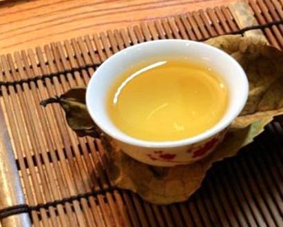 茶不能同什么食物在一起吃?
