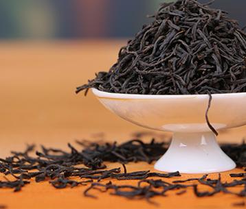 高品质的茶叶,口感自然是不错。但在这鱼龙混杂的茶叶市场,大家要怎么做,才能购买的优质的茶叶避