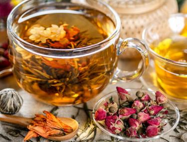 对于花茶的搭配,要注意的是不同花茶均具有不同的功效,小编要在这里提醒大家的是要是互相搭配必须