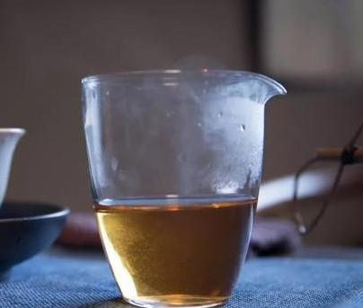 排除体内湿气,喝白茶,你的不二之选!