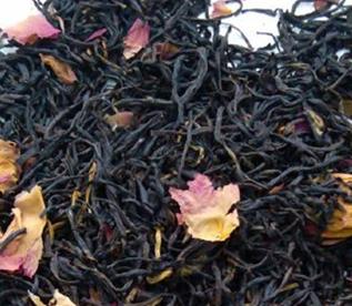 玫瑰红茶,玫瑰茶的一个种类。它是用上等的红茶混合玫瑰花窨制加工制作而成的花茶。玫瑰红茶不仅有