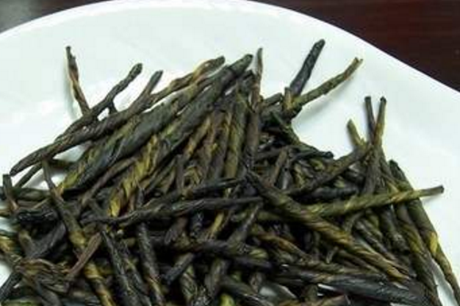 乌龙茶和苦丁茶哪个减肥?事实上,不管是乌龙茶还是苦丁茶都是具备减肥功效的,但是对于减肥也只是有一