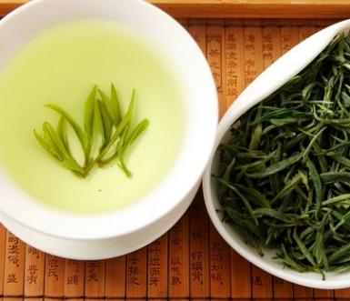 虽说在炎热的夏天喝绿茶是再好不过,但这个高温的时节,绿茶不易保存。今天小编就带着大家一同来探讨一