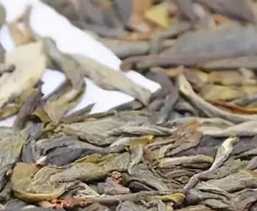 许多茶友碰到好茶,总会买些存于家中,本来一开始很好喝,没曾想怎么没过半月,茶叶的颜色、滋味、