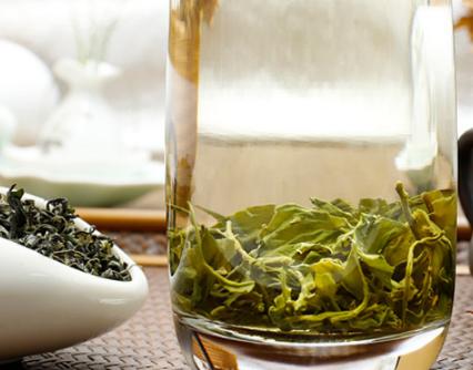 众所周知,一般的绿茶都是有保质期的,不过茶叶的保质期茶叶的种类有着很大相关,不同的茶保质期也是不