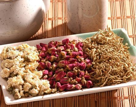 怎样鉴别并判断茶叶是否过期?