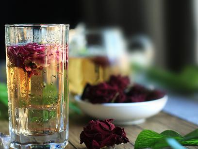 一次泡几朵玫瑰花茶最好?泡几次味最佳?