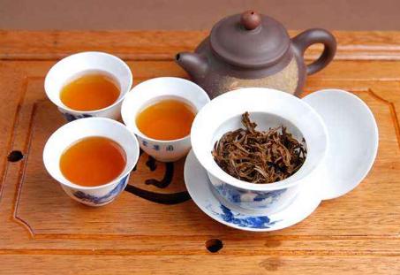 要怎样冲泡出一杯甘美好喝的红茶?