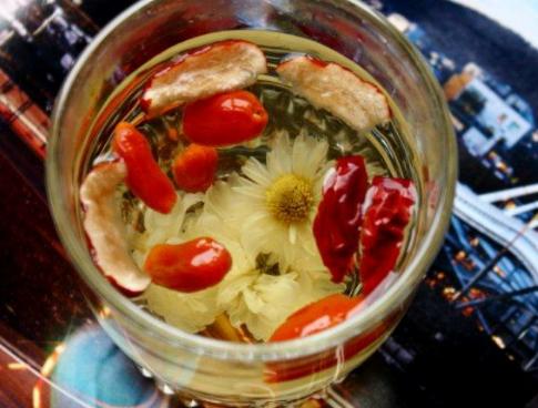 红枣枸杞菊花茶做法、比例及其好处!