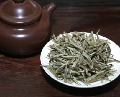 浅谈夏季喝白茶对人体健康的好处!