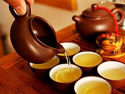 """有关喝茶禁忌的传言有很多,""""贫血不可喝茶"""",便是其中流传最广的说辞之一。那么喝茶是否会导致贫"""