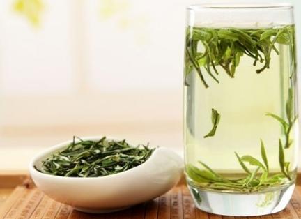 科学研究表明老年人常喝绿茶有益身心健康!