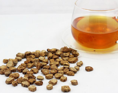 牛蒡茶和蒲公英茶类似,我们可以将其制作牛蒡茶,也可以当做补充形式亦或是作为蔬菜来食用。牛蒡含有使