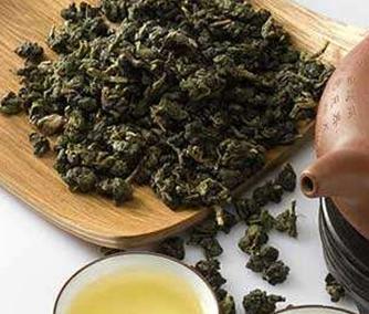 乌龙茶并非黄茶,黄茶也并非乌龙茶。它们在制作工艺上有很大区别。一起来往下看看!  乌龙茶的制