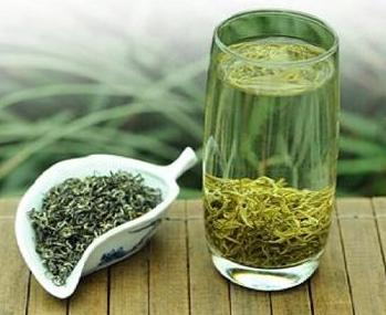 喝茶上火,还是下火?普洱茶与龙井茶对比!