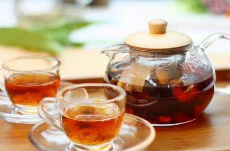 根据研究发现,喝绿茶类的茶叶对清洁肺部污染具有很好的效果。那么吸烟人群喝什么茶清肺?下面小编来为