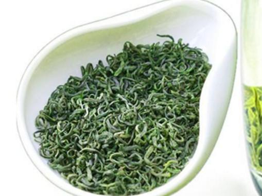 浙江绿茶和西湖龙井的区别不说其他,单说包含的品种就是一个很大的区别。浙江绿茶是绿茶,西湖龙井还是