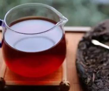 茶叶的种类有很多,茶叶的茶性也有诸多不同。因此,我们应当在不同的季节喝一些适宜喝的茶。那么严