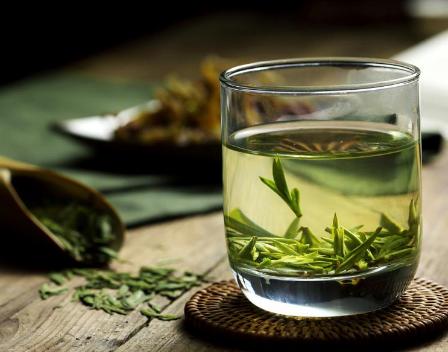 喝绿茶好处颇多,没事不妨多泡几杯!