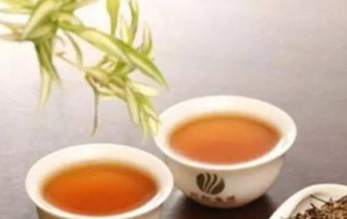 """《本草拾遗》中提到茶的一个功效:""""久食令人瘦,去人脂。""""说明在古代就有喝茶可以使人变瘦的说法。很"""