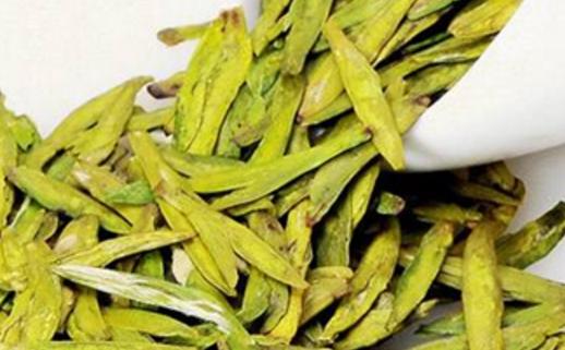 信阳毛尖是绿茶的代表,所以绿茶和信阳毛尖哪个好是没有意义的,如果在绿茶和信阳毛尖中选择的话,推荐
