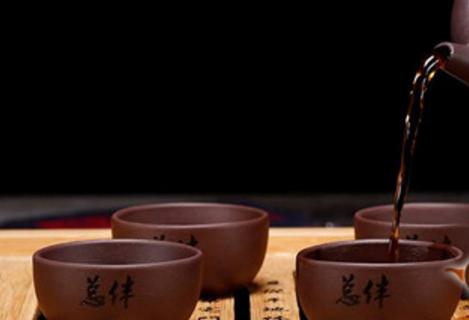 红茶用什么茶具泡好?首推紫砂壶喝盖碗